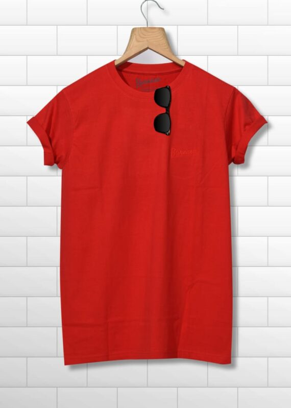 men round neck half sleeves red printed tshirt
